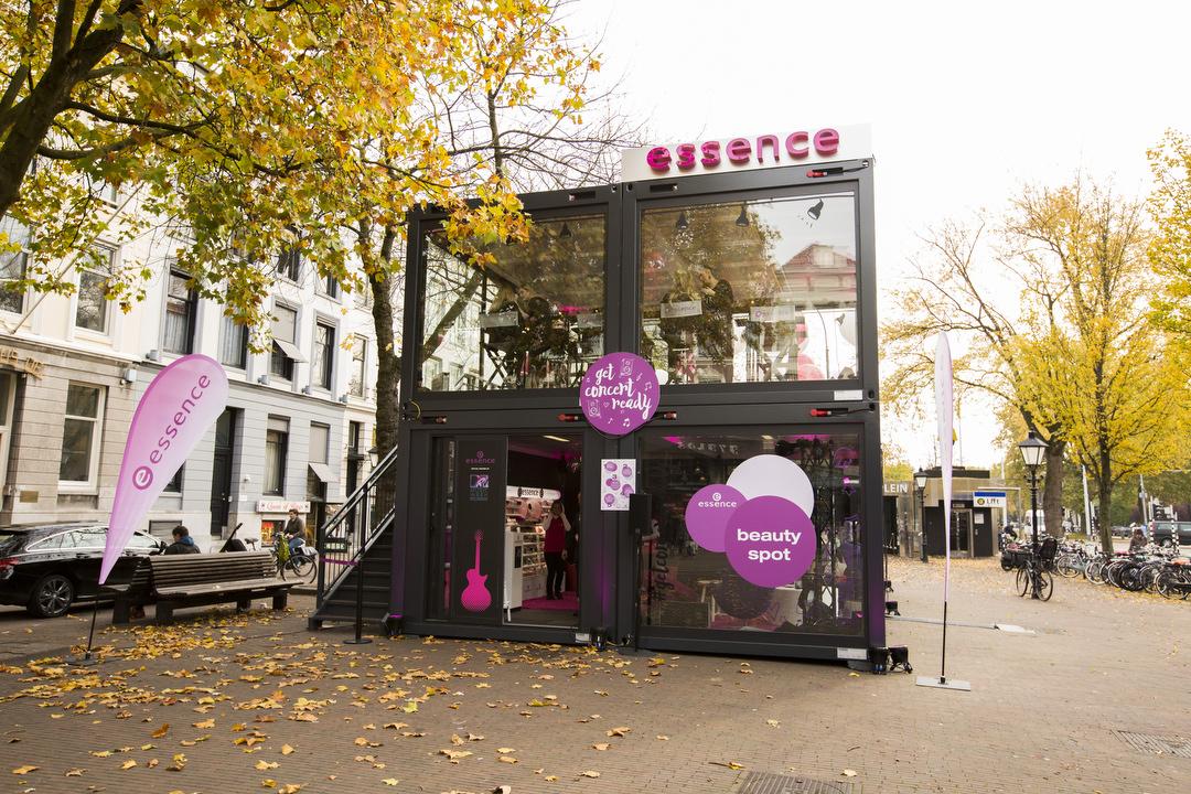 pop up stores vom singul ren event zum nachhaltigen markenerlebnis absatzwirtschaft. Black Bedroom Furniture Sets. Home Design Ideas